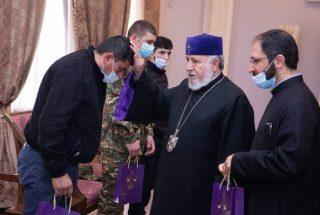 Ամենայն Հայոց Կաթողիկոսն ընդունել է Ավստրիա բուժման մեկնող զինվորականներին