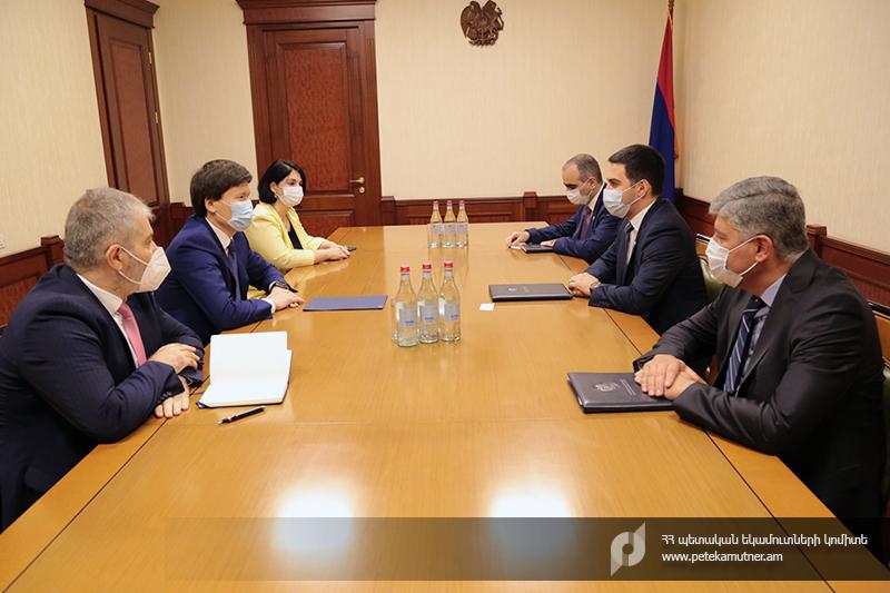 ՊԵԿ. Ռուստամ Բադասյանն ընդունել է ԵՏՀ տնտեսական և ֆինանսական քաղաքականության հարցերով նախարար, կոլեգիայի անդամ Ռուսլան Բեկետաևին