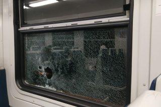 ՀԿԵ. Քարեր են նետել մարդատար էլեկտրագնացքի վրա՝ կոտրելով պատուհանի ապակին