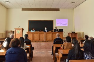 Դրամավարկային քաղաքականության ծրագրի քննարկում ԵՊՀ-ում Կենտրոնական Բանկի ներկայացուցիչների հետ