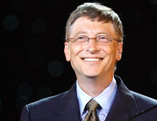 Б.Гейтс по-прежнему остается самым богатым американцем