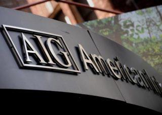 Минфин США может выйти из AIG в 2013г.