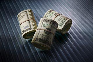Фонд урезал Нобелевскую премию до 1,1 млн. долл.