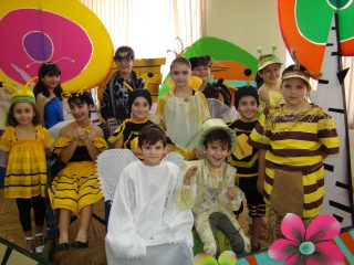 При содействии компании «АрменТел» в Армении дебютировала детская театральная труппа «Мы»