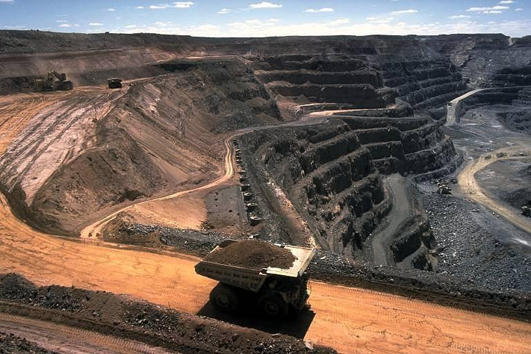 Объем экспорта железной руды из Бразилии снизился на 7,5%