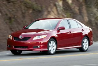 Toyota по-прежнему лидер в мировом автопроме