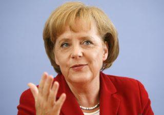 А.Меркель: Вступление Греции в еврозону было ошибкой