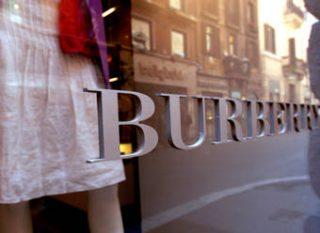 Гендиректор Burberry предпочел работу в Apple
