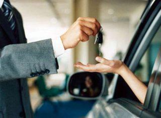 В прошлом месяце в США немного сократились продажи автомобилей