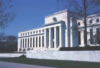Годовая прибыль ФРС снизилась на 10%