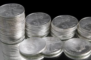 Прибыль крупнейшего в мире производителя серебра в 2013 году снизилась в 3,3 раза