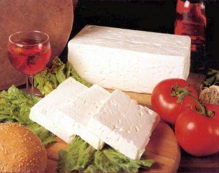 Роспотребнадзор запретил ввоз украинского сыра