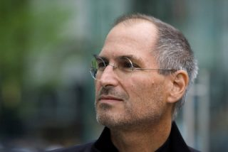 Стив Джобс возглавил рейтинг самых выдающихся людей 25-летия