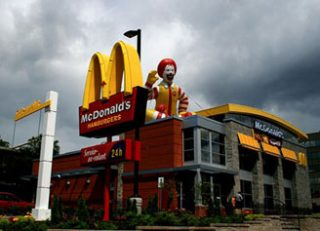 McDonalds заплатит инвесторам 20 млрд. долл. за три года