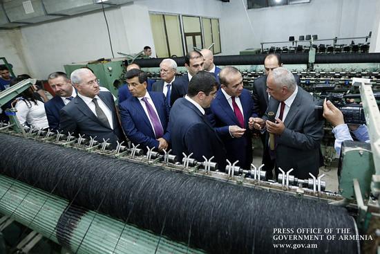 Овик Абраамян посетил действующие в Нагорном Карабахе предприятия