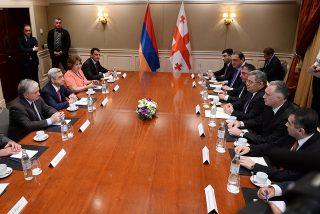Серж Саргсян встретился с Председателем Парламента Грузии Давидом Усупашвили