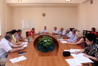 Заседание Постоянной комиссии НС по финансово-кредитным и бюджетным вопросам