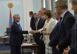 Президент Саргсян принял делегацию участников ежегодной встречи стран подгруппы МВФ и ВБ, возглавляемой Бельгией и Нидерландами