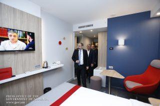 """Никол Пашинян присутствовал на церемонии открытия отеля """"Holiday Inn Express"""""""