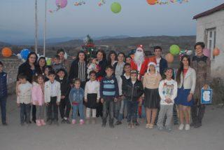 Конверс Банк стал «Дедом Морозом» для детей Арцвашена