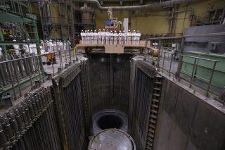 Росатом: на втором энергоблоке ленинградской аэс-2 началась загрузка топлива