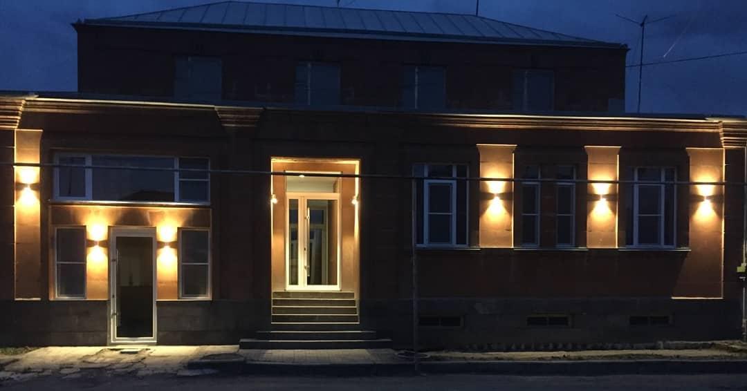 Гостевой дом в Гюмри, наполненный юмором. История успеха
