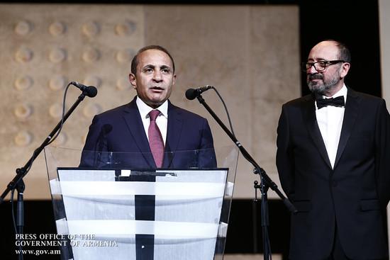 Премьер-министр присутствовал на открытии 11-го международного кинофестиваля «Золотой абрикос»