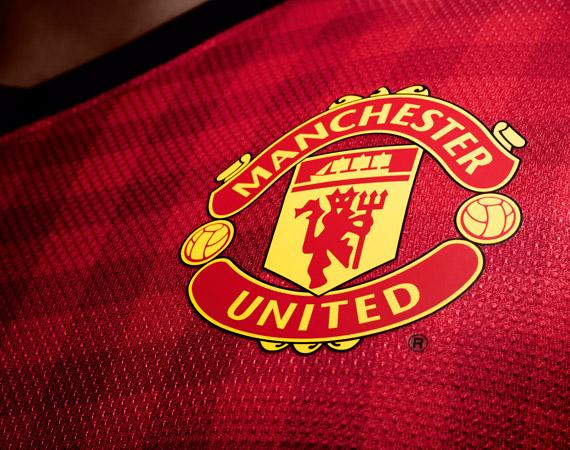 Manchester United может подписать с Nike рекордный спонсорский контракт