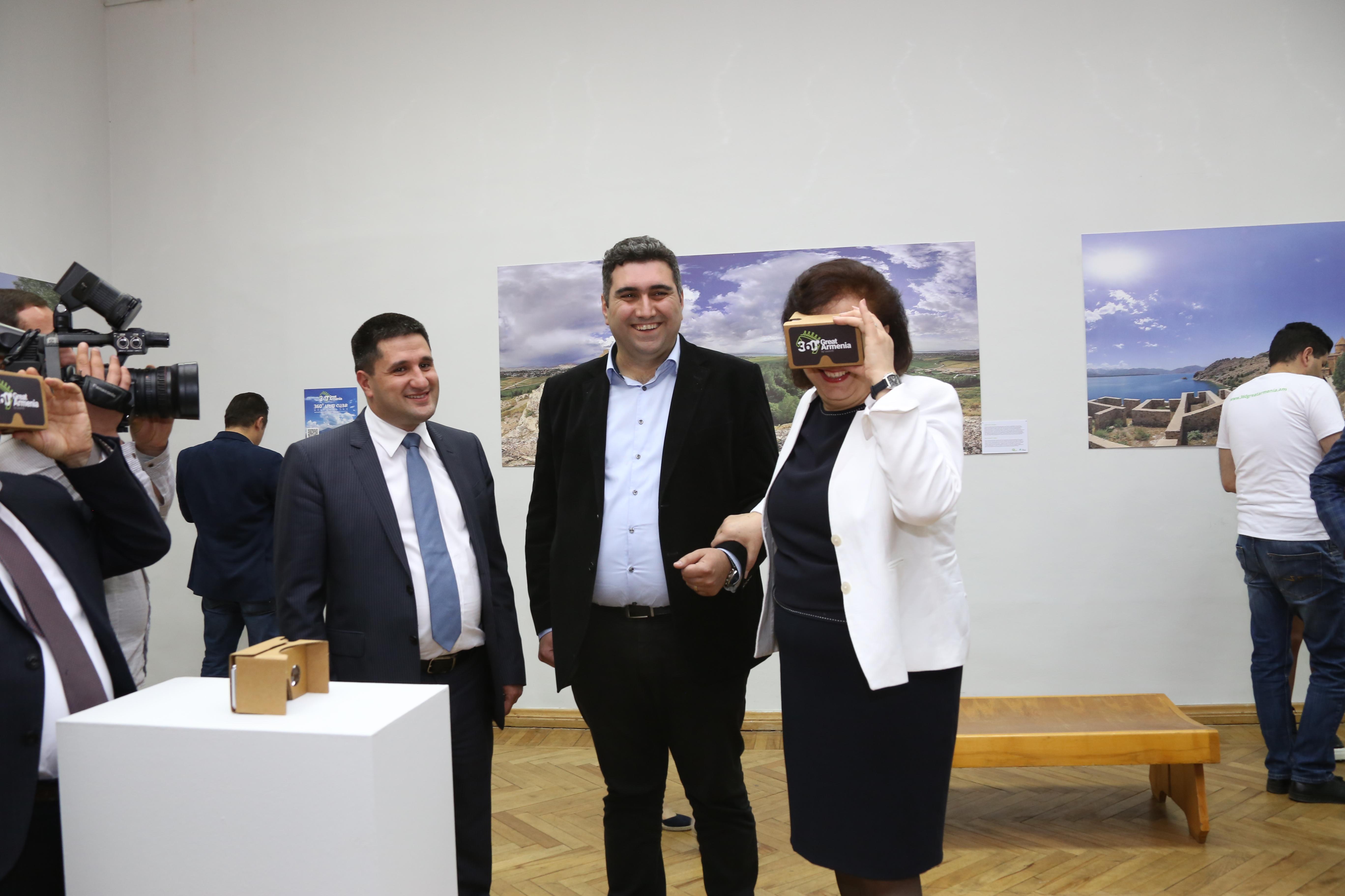 """В Национальной картинной галерее Армении проходит выставка проекта Ucom """"Великая Армения: 360°"""""""