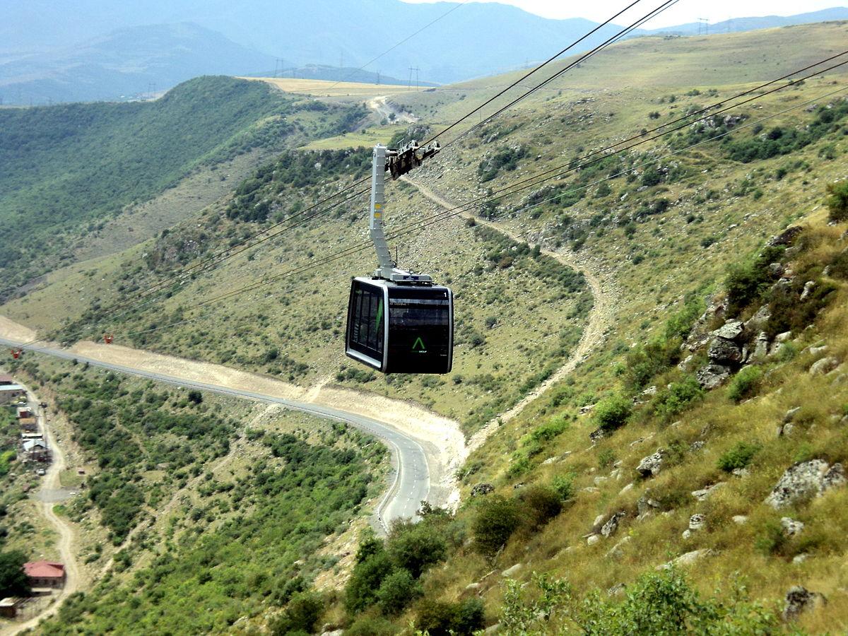 """Армянская канатная дорога """"ТаТевер"""" установила новый рекорд по числу посетителей за день"""