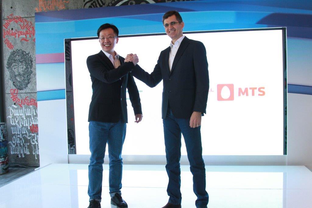 ВиваСелл-МТС: Стильный смартфон с двумя двойными камерами Honor 9 Lite представлен в России и Армении