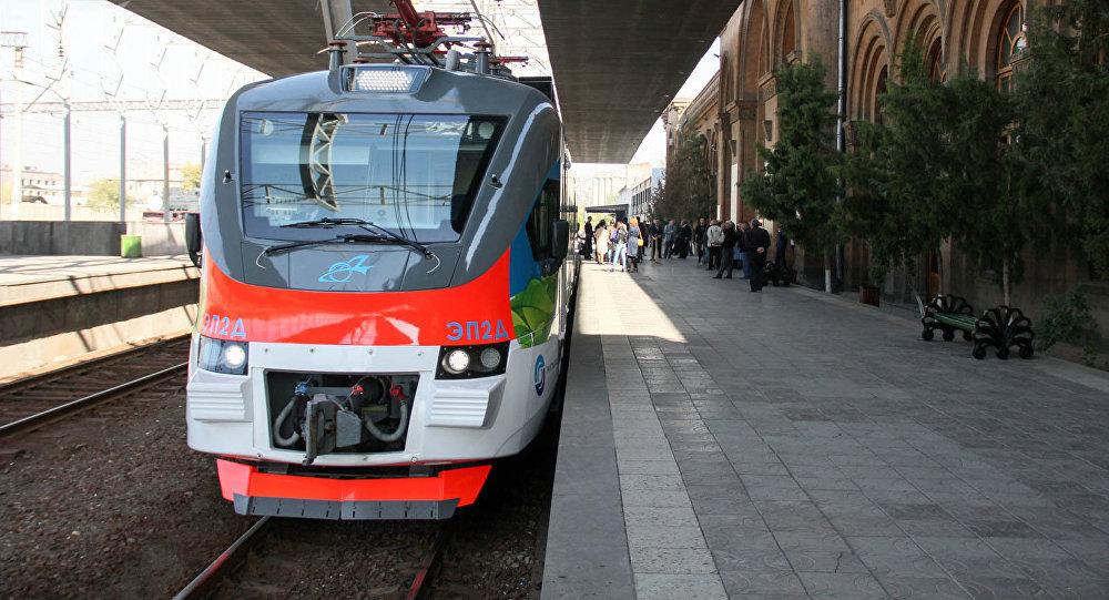 В День железнодорожника 4 августа проезд в пригородных электропоездах ЗАО «ЮКЖД» будет бесплатным за исключением экспрессов Ереван-Гюмри