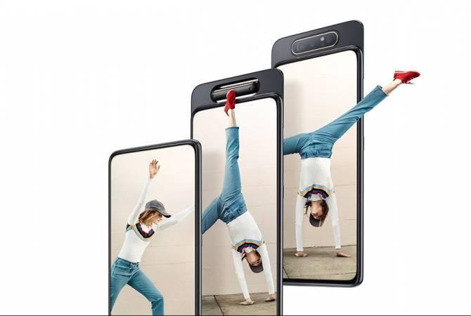 Samsung представила новый смартфон-слайдер Galaxy