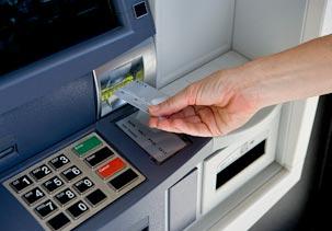 В банкоматах Белоруссии кончилась местная рубли