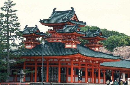 Парламент Японии одобрил второй пакет восстановительных мер