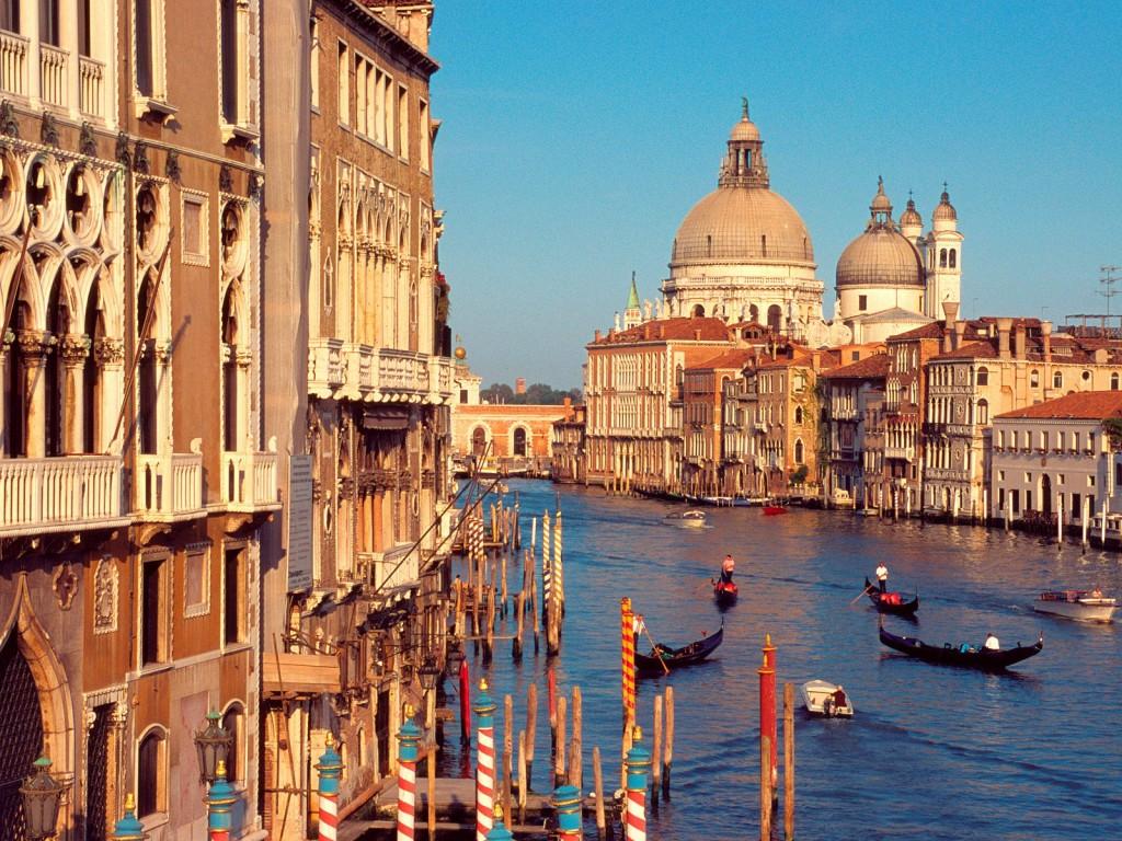 Приток мигрантов в Италию вырос в десять раз