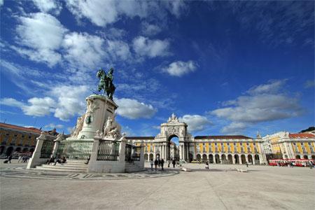 Португалия выходит из программы международной помощи