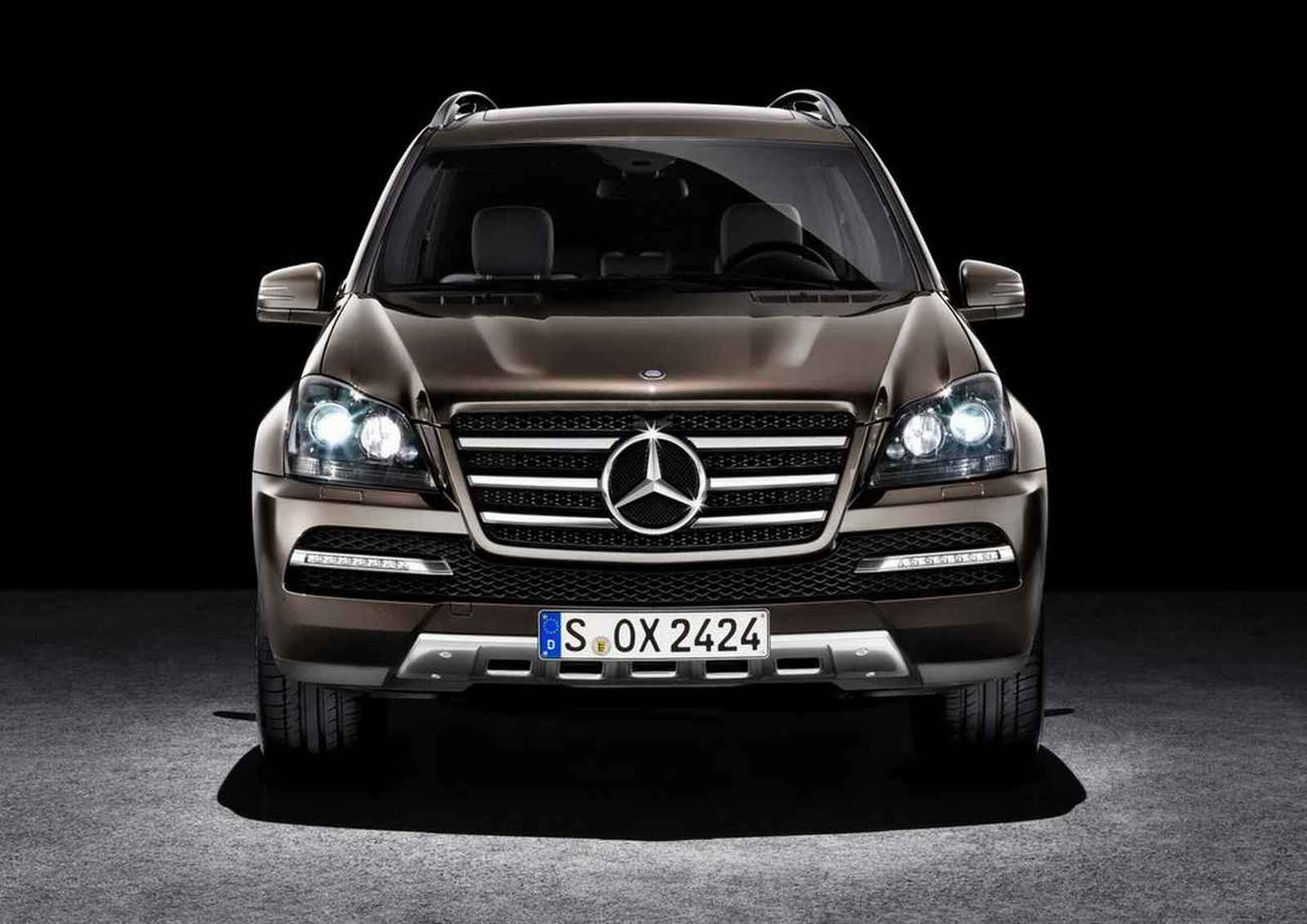 Mercedes Benz-ը կարտադրի աշխարհի ամենաշքեղ ամենագնացը՝ MayBach GL