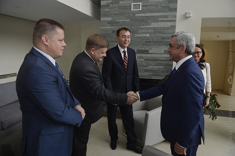 Նախագահ Սարգսյանն ընդունել է ԵԱՏՄ անդամ պետությունների կենտրոնական/ազգային բանկերի խորհրդատվական մարմնի նիստի մասնակիցներին