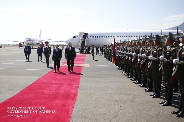 Հայաստան է ժամանել Վրաստանի վարչապետ Գիորգի Կվիրիկաշվիլին