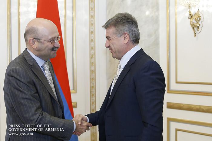 Կարեն Կարապետյանն ընդունել է «ВТБ 24» բանկի նախագահին