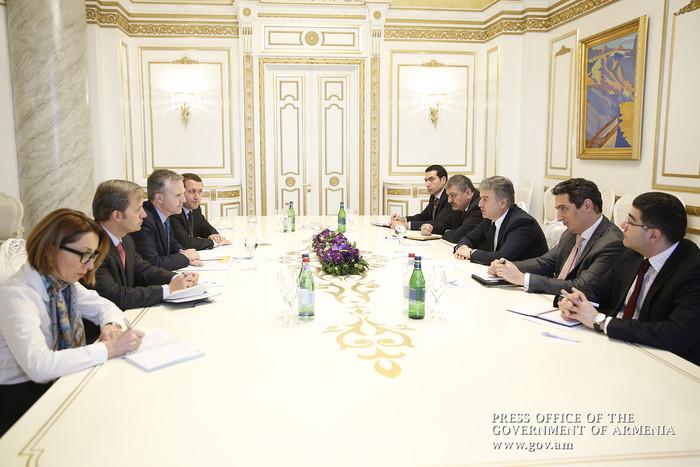 Կարեն Կարապետյանն ընդունել է Հայաստանում ԱԶԲ պատվիրակությանը