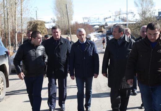 Վահան Մարտիրոսյանը ծանոթացավ Գեղարքունիքում ընթացող ճանապարհների հիմնանորոգման աշխատանքներին