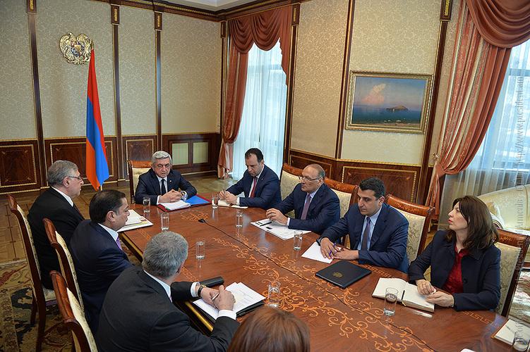 Սերժ Սարգսյանը խորհրդակցություն է անցկացրել հայ-ավստրիական հարաբերությունների օրակարգային հարցերի եվ հեռանկարային ծրագրերի շուրջ