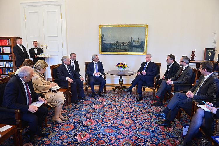Նախագահ Սերժ Սարգսյանը Բեռլինում հանդիպում է ունեցել ԳԴՀ Նախագահ Յոախիմ Գաուկի հետ