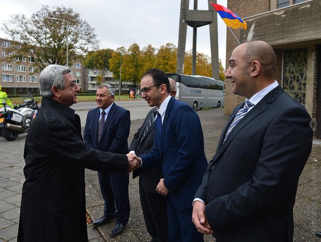 Սերժ Սարգսյանը Մաստրիխտում այցելել է հայկական Սուրբ Կարապետ եկեղեցի