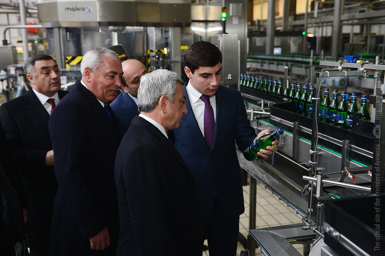 Սերժ Սարգսյանը ներկա է գտնվել Ջերմուկ Գրուպի նորակառույց գործարանի բացման արարողությանը
