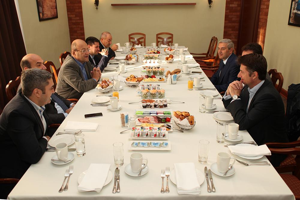 ՀՀ տրանսպորտի և կապի նախարար Վահան Մարտիրոսյանը հանդիպել է ԻՏՁՄ վարչության անդամներին