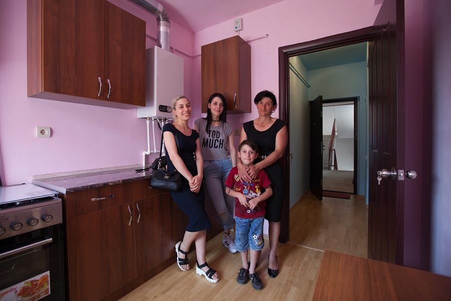 Հայաստան Հիմնադրամ. 26 բնակարան՝ Գյումրիի անօթեւան ընտանիքներին