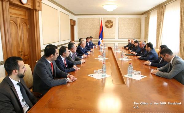 ԱՀ նախագահ Բակո Սահակյանն ընդունել է ՀՀ մի խումբ առաջատար բանկերի ղեկավարների